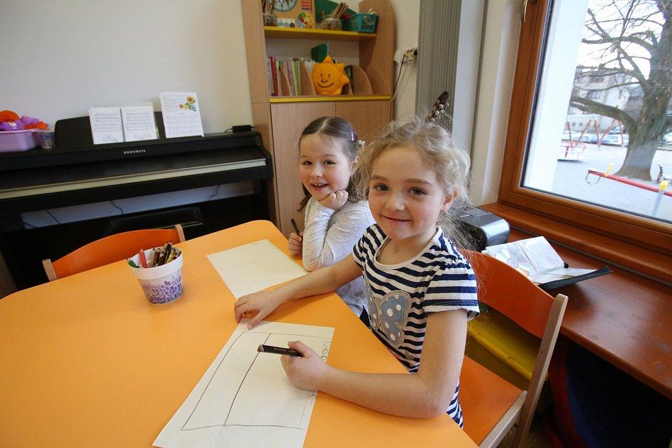 Obec Olešnice díky financím z dotací vybudovala novou školku s vyšší kapacitou dětí a upravenou zahradou