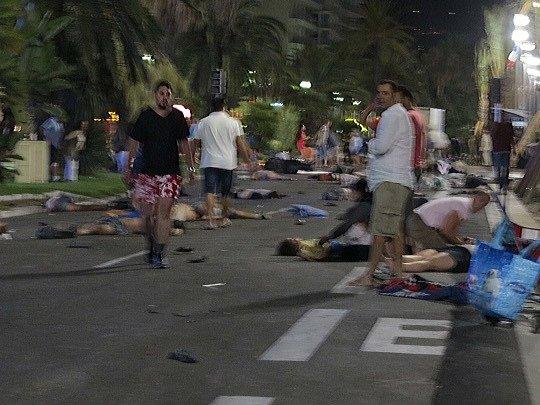 Útoky v Nice mají na svědomí desítky životů