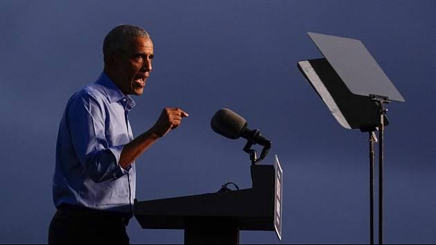 Bývalý šéf Bílého domu Barack Obama na předvolební akci na podporu demokratického kandidáta na prezidenta Joea Bidena
