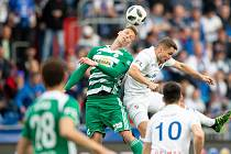 Semifinále fotbalového poháru MOL Cupu: FC Baník Ostrava - Bohemians Praha 1905, 24. dubna 2019 v Ostravě. Na snímku (zleva) Šmíd Michal a Jánoš Adam.