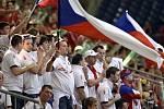Čeští fanoučci podporovali český pár Rosol - Berdych celý duel.
