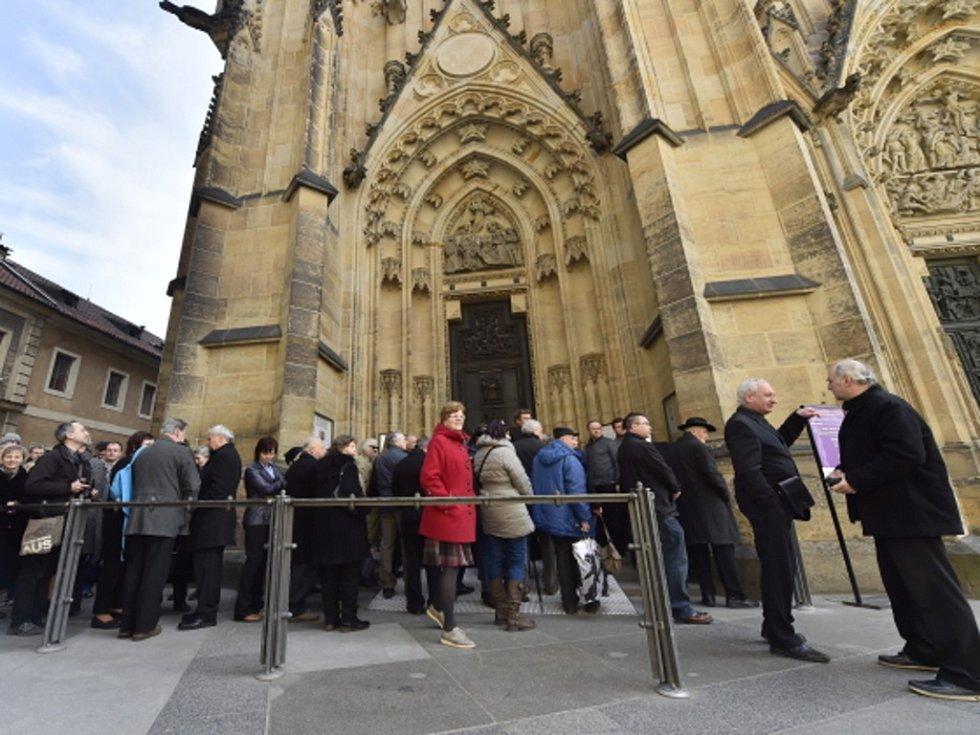 Pohřeb kardinála Miloslava Vlka v katedrále svatého Víta na Pražském hradě.