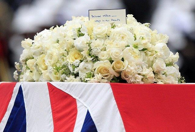 Rakev s ostatky Margaret Thatcherové