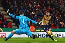 Stoke vs. Arsenal: Olivier Giroud v šanci