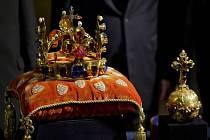 Od 10. do 19. května si budete moci zdarma prohlédnout korunovační klenoty na Pražském hradě i vy. Vždy od devíti hodin ráno. Připravte se ale na fronty.