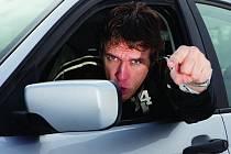 Osm z deseti řidičů na Vysočině se nechá k agresivnímu chování za volantem vyprovokovat, což je nevíce z celé republiky. Ilustrační foto.