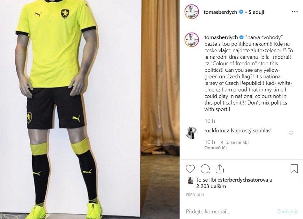 Reakce Tomáše Berdycha na nové dresy české fotbalové reprezentace.