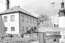 Nevyužitá škola v Bobrůvce na Žďársku