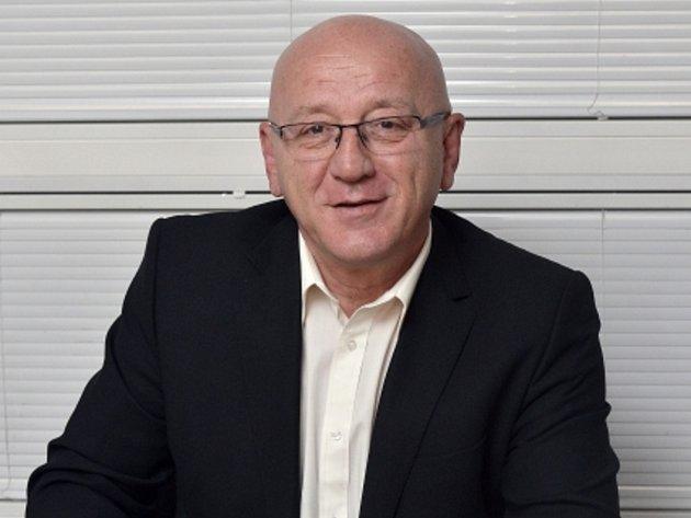Bývalý tajemník ÚV KSČ a současný poslanec za sociální demokracii František Adámek.