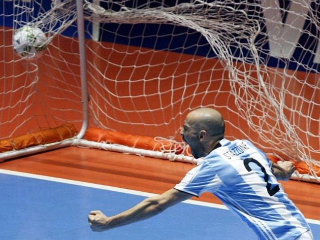 Damian Stazzone z Argentiny.