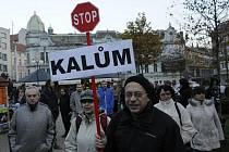 Přibližně 150 lidí demonstrovalo v Teplicích proti ostravským kalům.