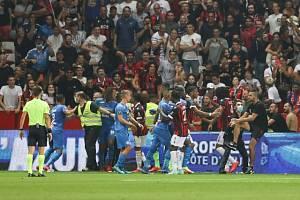 Fanoušek Nice, který kopl fotbalistu Dimitriho Payeta, dostal roční podmínku.