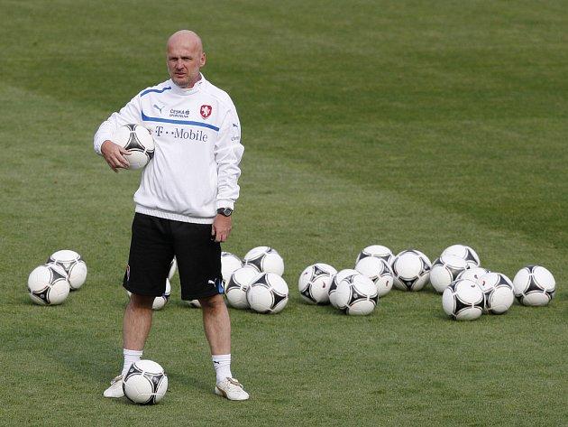 Trenér Michal Bílek na tréninku české fotbalové reprezentace.