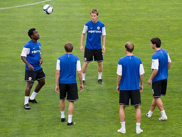Fotbalisté Sparty na tréninku před zápasem předkola Evropské ligy proti Mariboru.