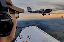 Čeští piloti jdou do boje proti nákaze. Nabízejí rozvoz zdravotnické pomoci