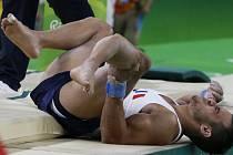 Francouz Samir Ait Said, jenž si zlomil holeň.