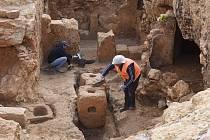 Kamenné nádoby na uchovávání nejrůznějších surovin.