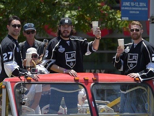 Jízda šampionů: Los Angeles vítalo hrdiny se Stanley Cupem