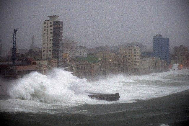 Irma poničila Havanu.