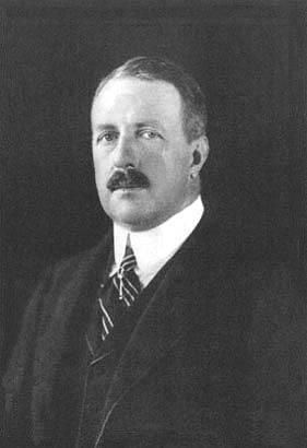 Alžbětin manžel, brazilský korunní princ Pedro de Alcântara (1875 až 1940), který se kvůli ní vzdal následnictví trůnu