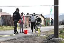 Romové v uzavřené osadě na Slovensku