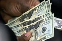 Americké dolary - bankovky. Ilustrační foto