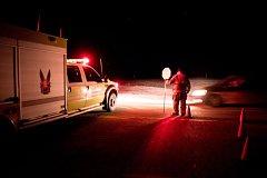 Záchranka přijíždí k nehodě v Saskatchewanu