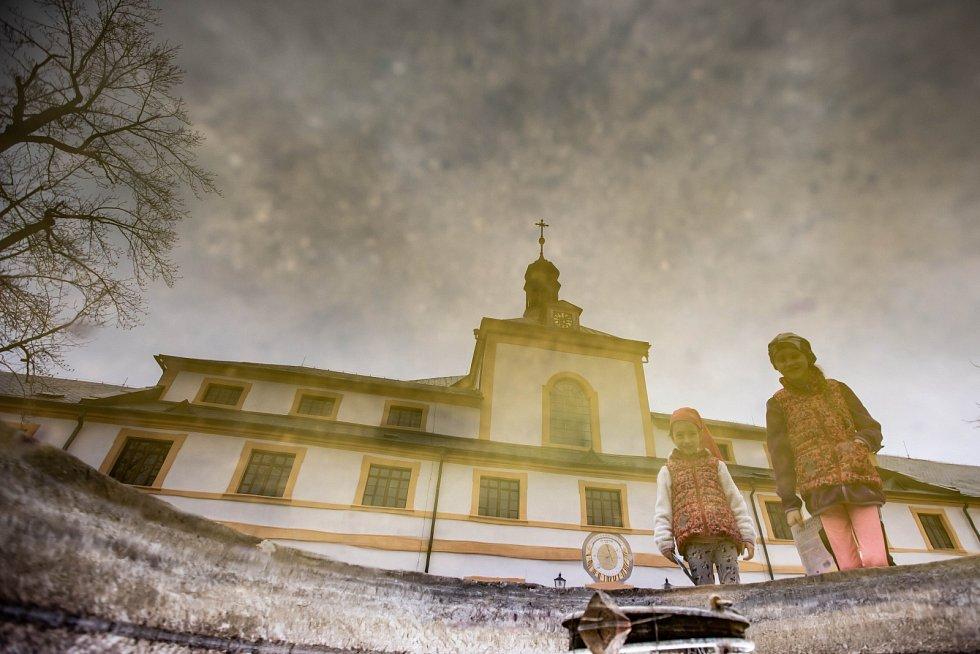 Královéhradecký kraj, Kuks. Unikátní barokní lázeňský areál se špitálem a bohatou sochařskou výzdobou z dílny Matyáše Bernarda Brauna