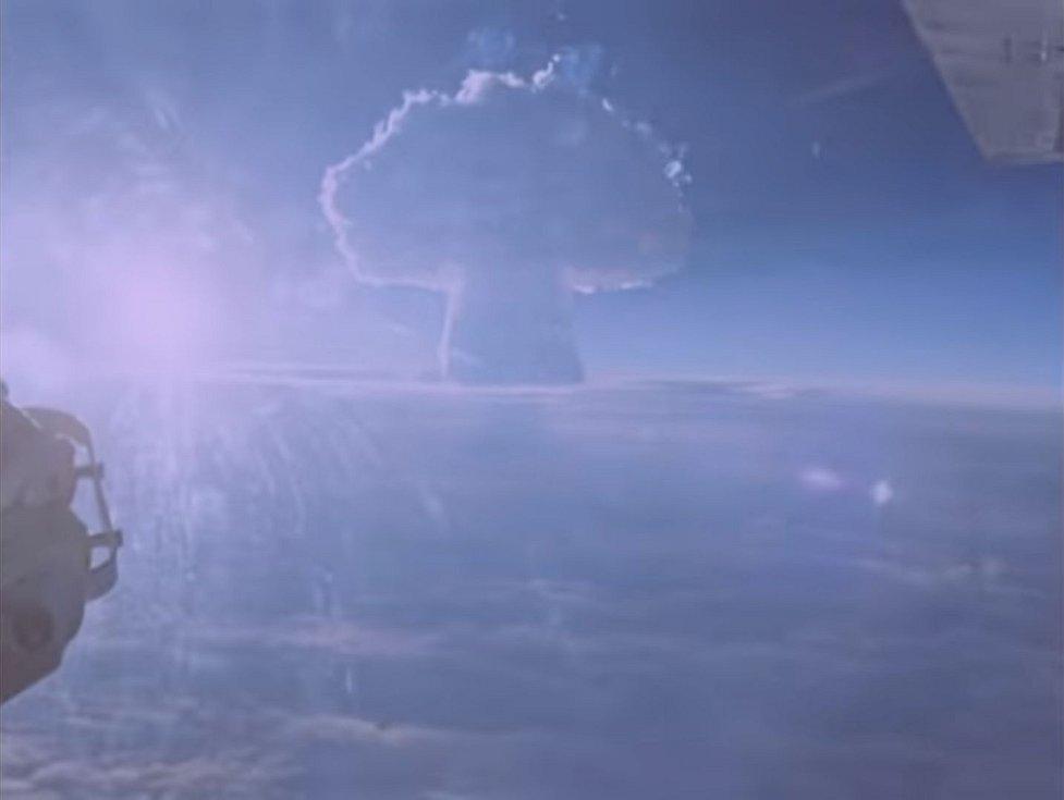 Exploze jaderné bomby byla vidět z letadel vzdálených i stovky kilometrů