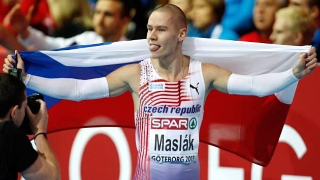 Pavel Maslák získal na halovém ME v Göteborg zlato na hladké čtyřstovce a se štafetou si poté doběhl pro bronz.