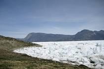 Ledové pole na grónském fjordu Kangersuneq