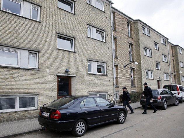 Dánská policie zatkla dnes v Kodani a okolí čtyři podezřelé, které údajně najala teroristická organizace Islámský stát k provádění násilností.