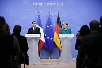 Angela Merkelová a Emmanuel Macron na evropském summitu