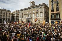 Katalánští separatisté si připomínají rok od referenda