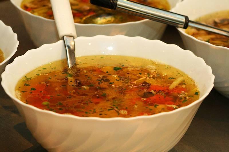 Zeleninová polévka.