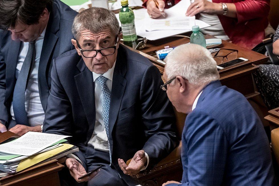 Poslanecká sněmovna rozhodovala o zbavení imunity kvůli kauze Čapí hnízdo u poslanců Andreje Babiše a Jaroslava Faltýnka.