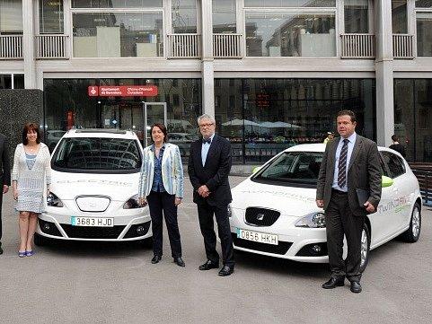 Hybridní vozy předané magistrátu v Barceloně