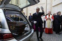 Vyzvednutí ostatků kardinála Berana v Římě
