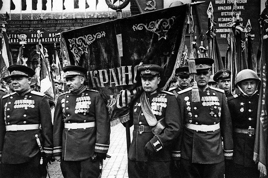 Maršál Koněv při oslavách vítězství v červnu 1945