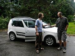 První český autosharing, sdílení aut více lidmi, byl představen v Praze.