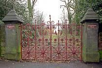 Brána dětského domova Strawberry Field