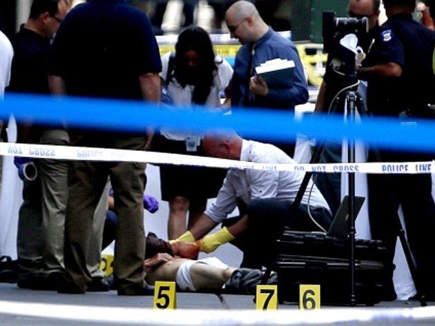 Nedávno propuštěný zaměstnanec podniku v New Yorku zastřelil v centru tohoto velkoměsta bývalého kolegu.