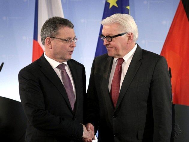Ministr zahraničí Lubomír Zaorálek se svým německým protějškem Frankem-Walterem Steinmeierem.