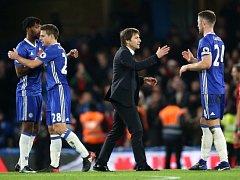 Radost Chelsea po výhře nad Bournemouthem 3:0.