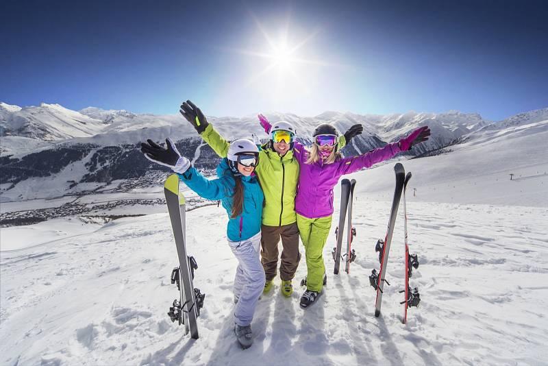 Carvingové je dnes všechno – lyže, oblouk, a dokonce i rukavice. Až poté si budete moct pořádně užít lyžování.