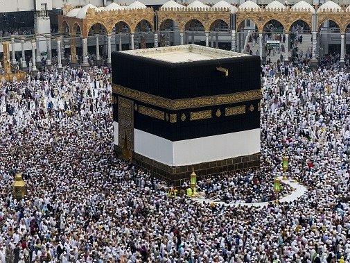Miliony poutníků do saúdskoarabské Mekky generují každoročně obrovské částky.
