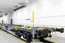 Lounská vagónka Legios uzavřela zakázky za 400 milionů korun do Německa a Itálie. Do února vyrobí 100 plošinových kloubových vagonů (na snímku) pro společnost GTS, do června 38 cisteren na přepravu kyseliny sírové pro firmu On Rail.