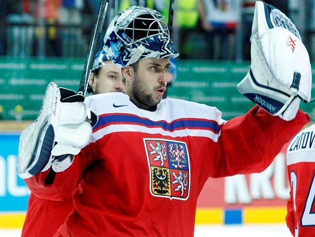 Ondřej Pavelec dostal od Finska tři góly, ale řadu šancí pochytal