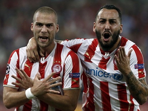 Fotbalisté Olympiakosu Pireus slaví