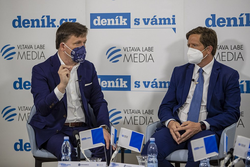On-line debata Deníku na téma Nebezpečné silnice v Česku. Jan Matoušek (vlevo), Radek Mátl